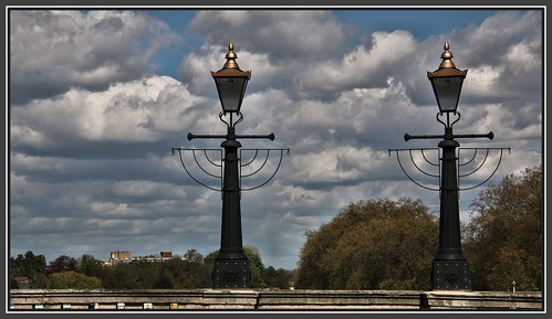 lights bridges surrey views lamps thethames canoneos70d kingstonuponthamesbridge