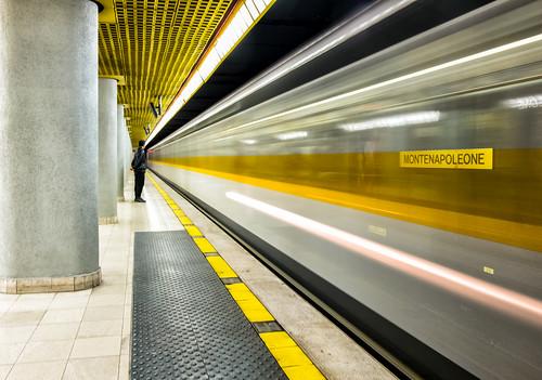 Montenapoleone subway