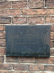 Photo of Bronze plaque number 39319