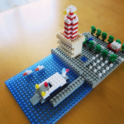nanoblockで街づくり。灯台のある港。 #ナノブロックアンバサダー