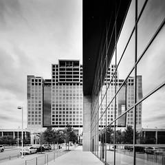 One Arts Plaza (L) & Dallas City Performance Hall (R) | Dallas, TX | Morrison Seifert Murphy w/ Corgan Associates, Inc.; SOM