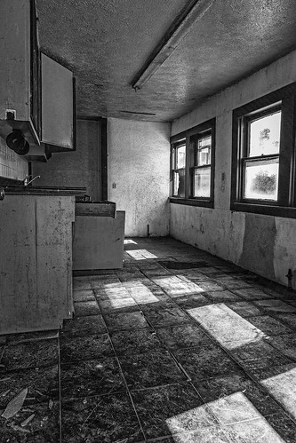 old windows blackandwhite bw house abandoned home kitchen monochrome us blackwhite texas shadows unitedstates decay brokenglass derelict urbex tomball