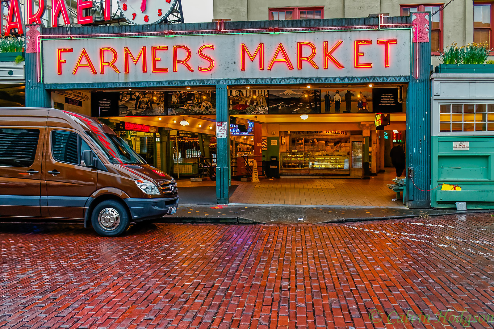 Pike Place closing time