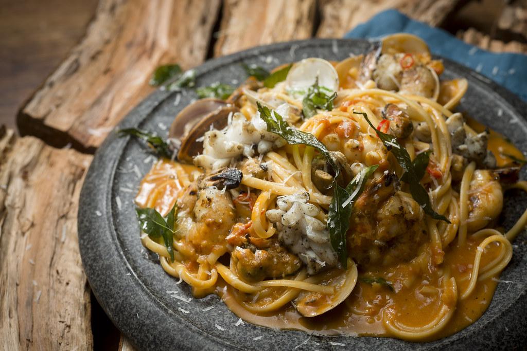 Seafood Linguine $18