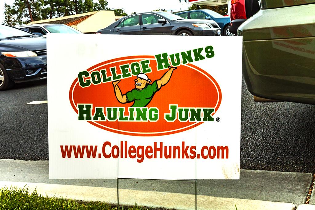 COLLEGE-HUNKS-HAULING-JUNK--Cupertino