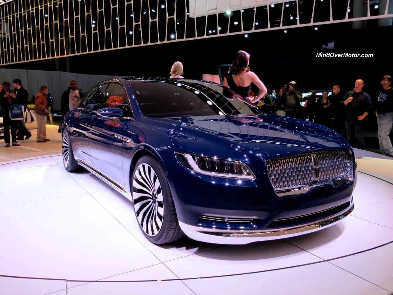 Lincoln Continental Concept Front Angle