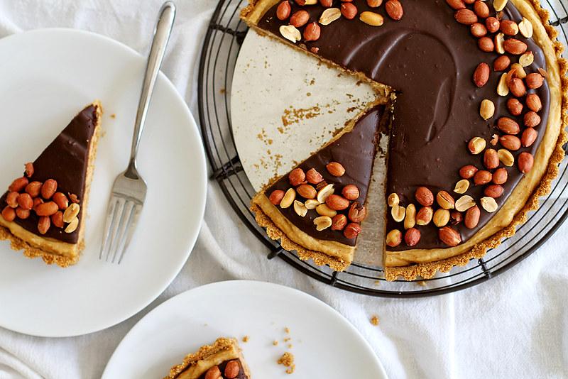 Chocolate Peanut Butter Pretzel Tart | girlversusdough.com @ ...