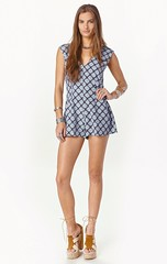 pattern, day dress, brown, clothing, abdomen, cocktail dress, limb, leg, fashion, photo shoot, design, dress, plaid,