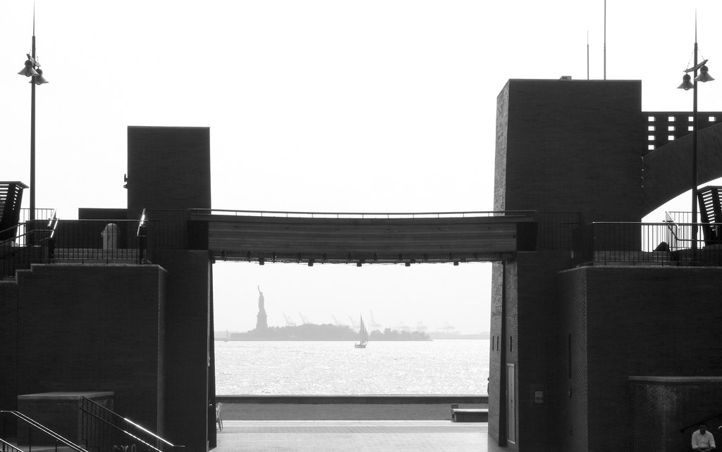 11.Distant Lady Liberty