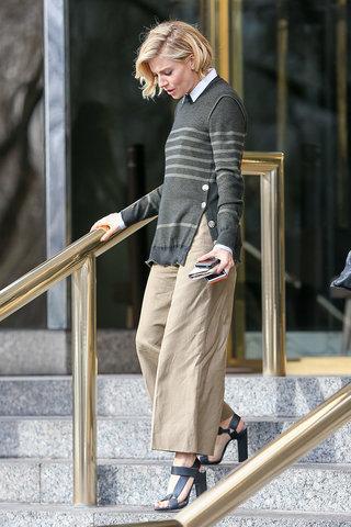Sonia-Rykiel-sweater-khaki-culottes-white-shirt-preppy-look-Pierre-Hardy-sandals