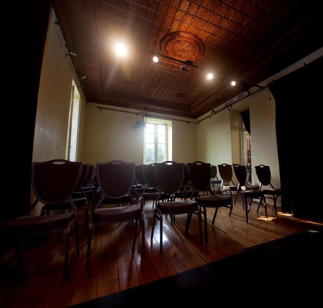 Κουκλοθέατρο σε θέατρο ArtooPaspartoo - Βρυσάκι