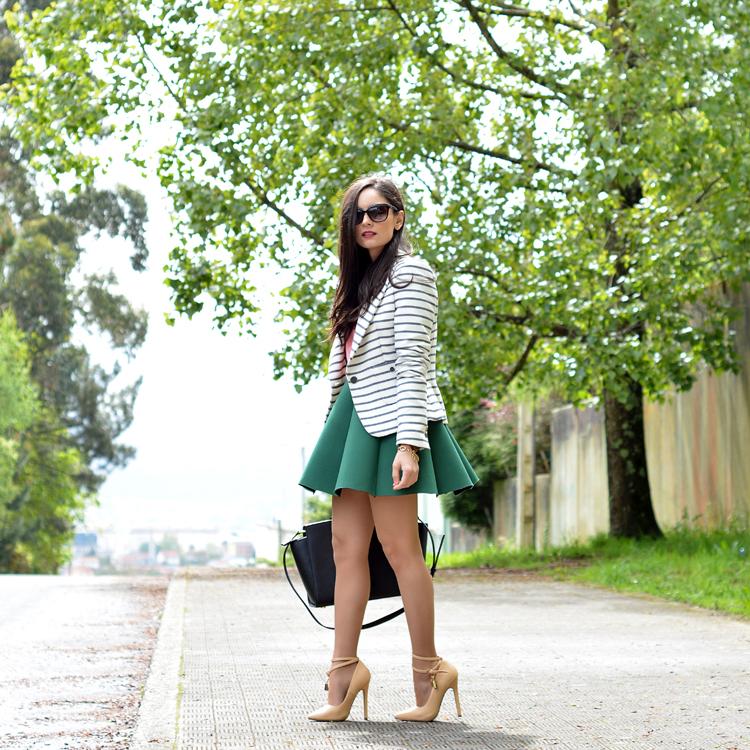 zara_ootd_outfit_falda_neopreno_como_combinar_rayas_coral_01