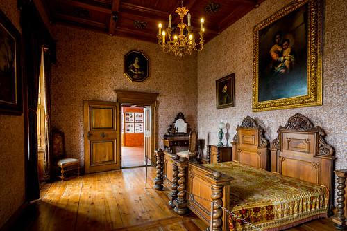 castle 1334 trakošćan krapina 13th century vacation bedroom dvorac travel ornate architecture beds europe croatia bed 13thcentury castletrakošćan dvoractrakošćan trakošćancastle varaždinskažupanija hr