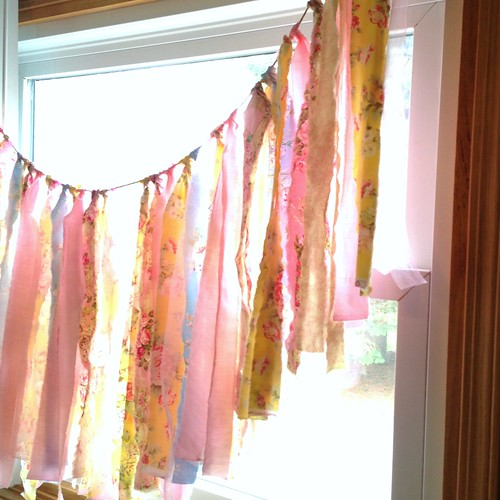 Strong Arts & Crafts shabby chic style fabric bunting