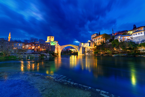 city longexposure travel reflection clouds canon river twilight dusk mostar bosnia herzegovina bluehour balkans hercegovina starimost oldbridge 14mm neretvariver rokinon 5diii