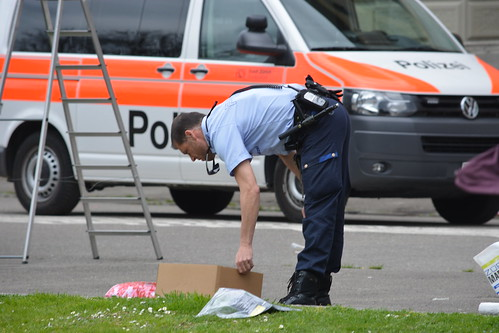Polizeieinsatz im Zeughaushof der alten Kaserne Zürich