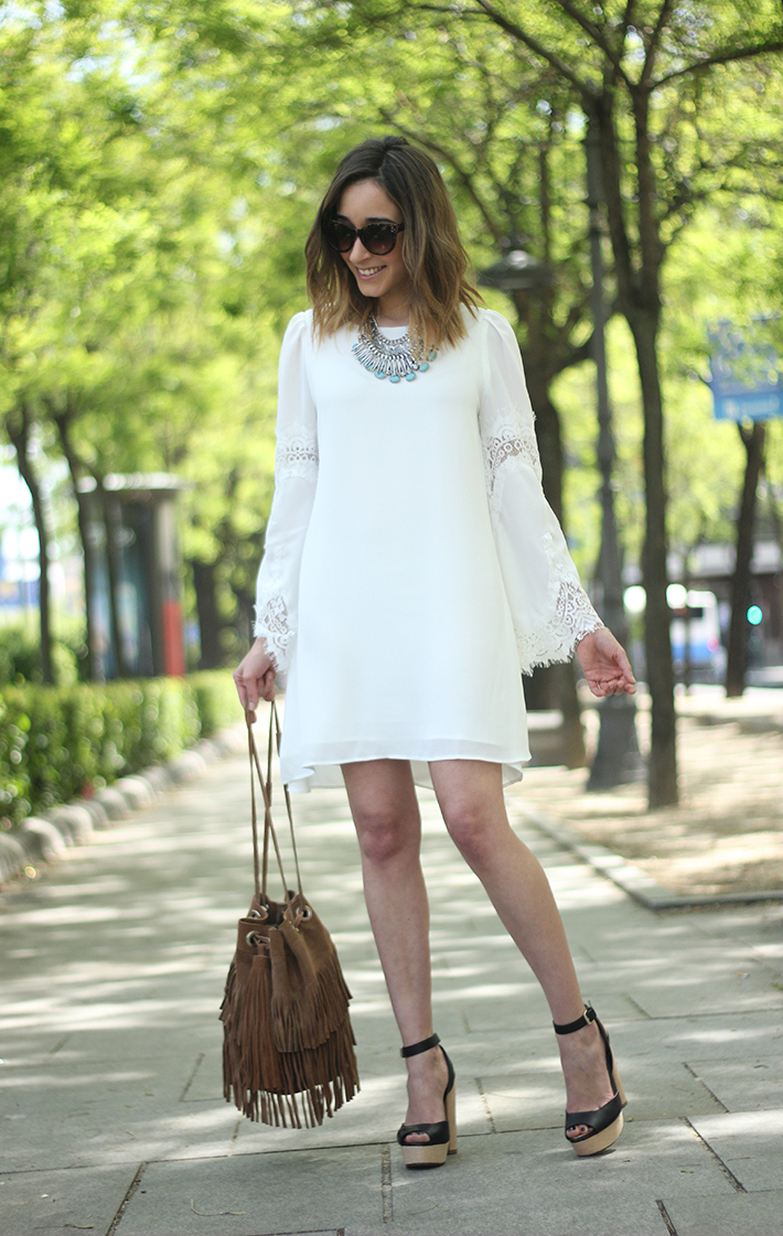 white dress with lace sleeves05