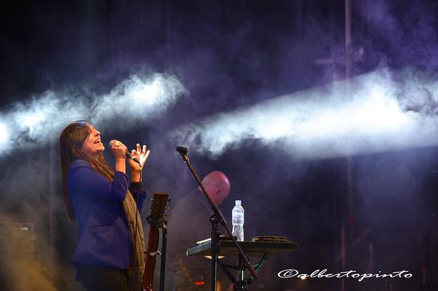 Javiera y Los Imposibles live concert in San Miguel of Azapa Chile