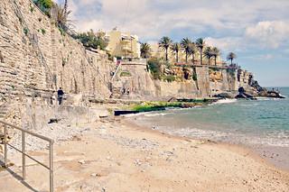 http://hojeconhecemos.blogspot.com.es/2015/05/praia-conde-azarujinha-estoril-portugal.html