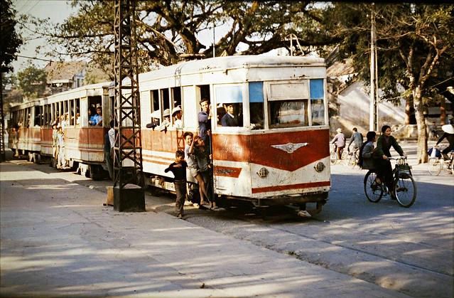 HANOI 1979 - Streetcar on Dinh Tien Hoang - Xe điện trên phố Đinh Tiên Hoàng