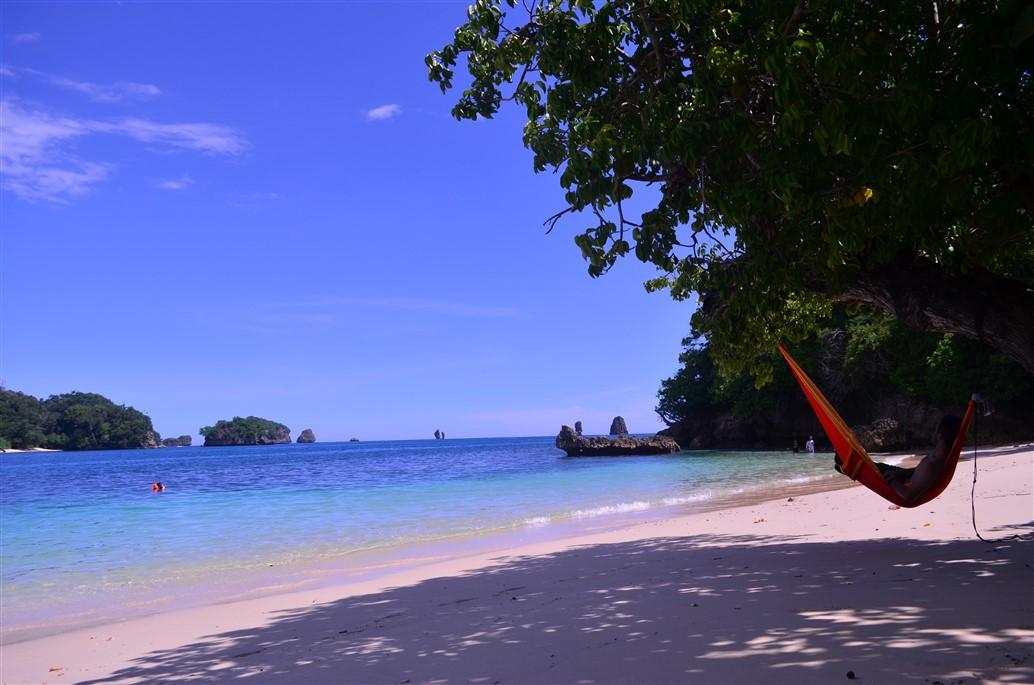 19 Pantai Cantik Yang Bisa Kamu Temukan Di Malang Update Yuk Piknik