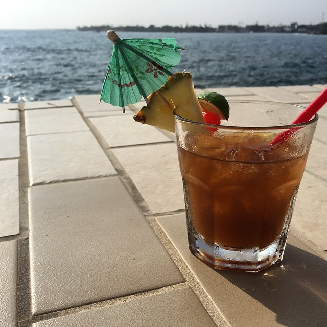 #kvphawaii Happy Hour at @RoyalKonaResort. Hello Mai Tai!