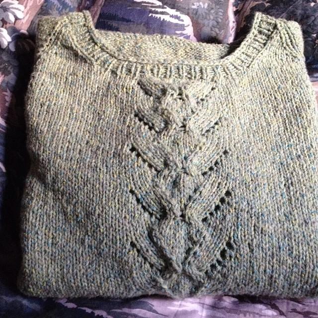 E anche questo è pronto #yarn #instaknit #serialknitters#iolavoroamaglia #fattoamano #handmade #ameliabefana #knit #knitting #ravelry #mailin #knittersofig #knittersofinstagram #instaknitting
