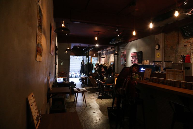 【台北咖啡館】捷運中山站附近,赤峰街裡的複合式咖啡店「時光,小屋 CAFE」。不限用餐時間│免費無線網路wifi│提供免費插座│咖啡、服飾、甜點