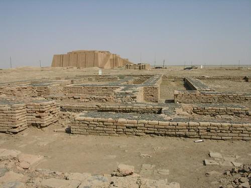 지구라트와-발굴중인-거주지-유적-1024x768