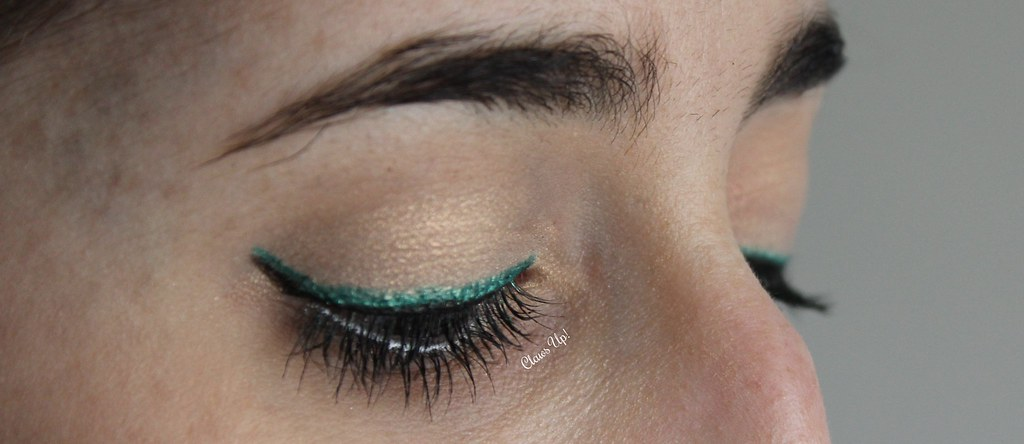 Black and turquoise double eyeliner makeup