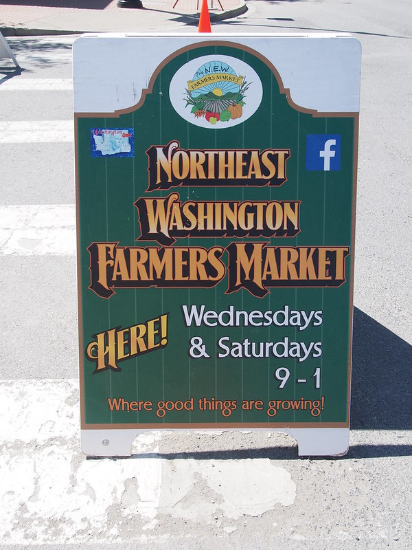 Northeast Washington Farmers' Market: I got a pirozhki while there.