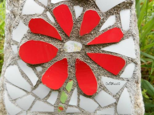 fiore mosaico su sasso per papà 4