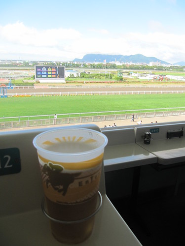 函館競馬場とビール