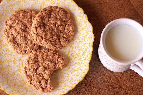 Crispy Oatmeal Cookie 20150507 06