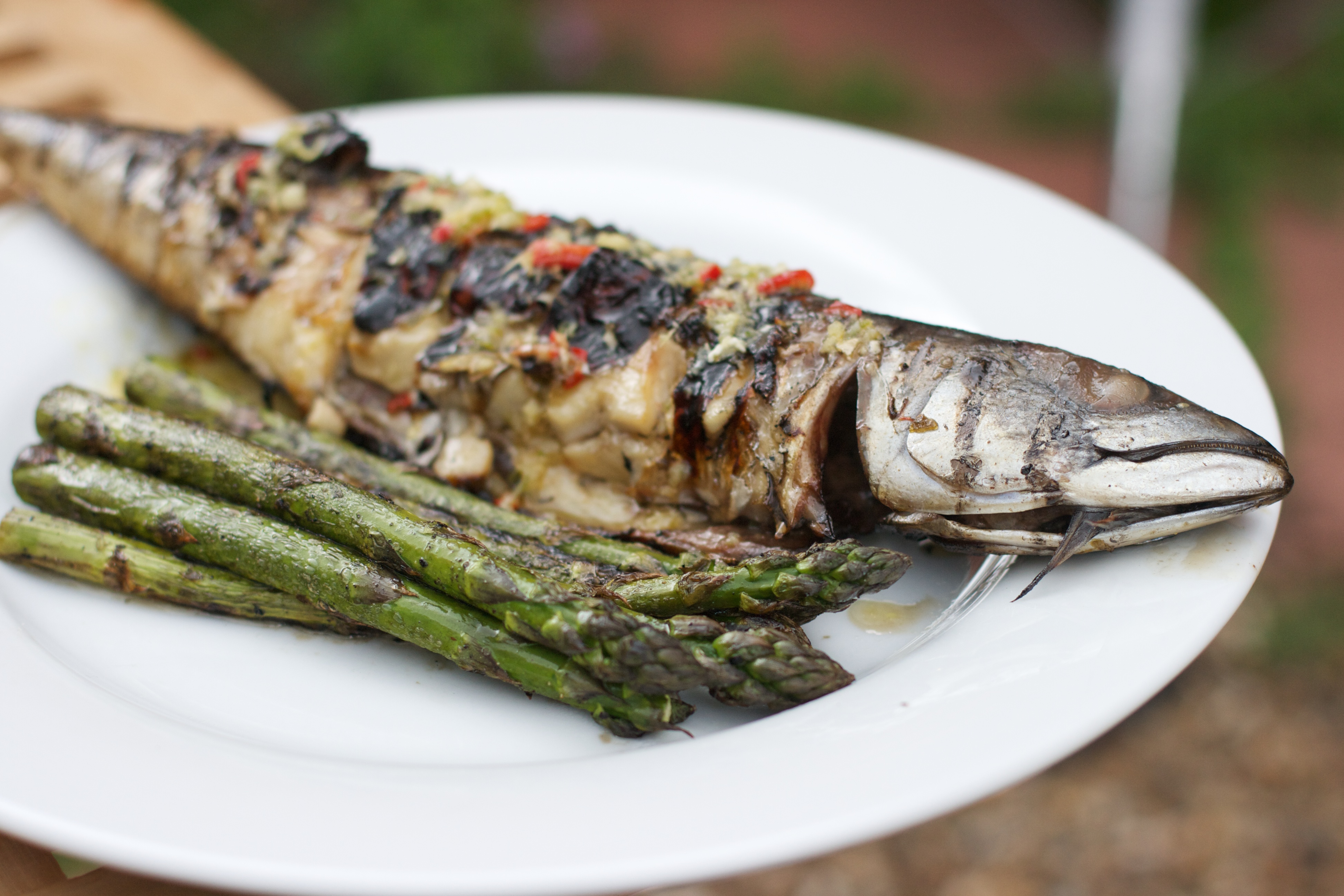 Barbecued Mackerel with Asparagus