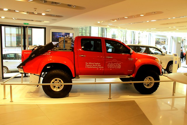 Toyota Hilux VII Phase I Arctic Trucks Expedition Top Gear