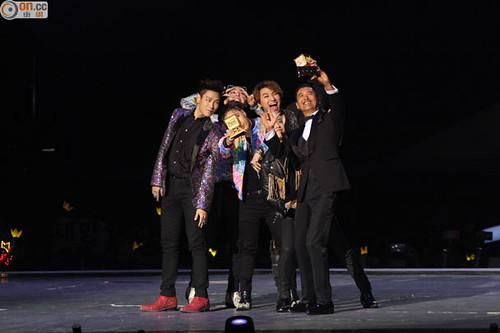 Big Bang - MAMA 2015 - 02dec2015 - hk.on.cc - 01