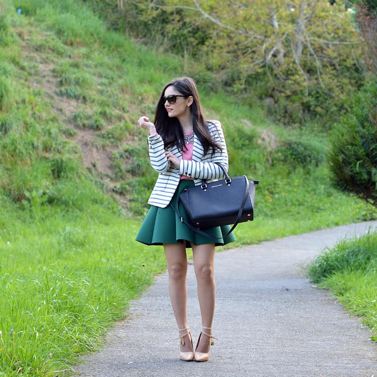 zara_ootd_outfit_falda_neopreno_como_combinar_rayas_coral_02