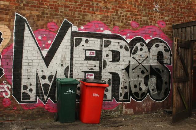 Header of meros