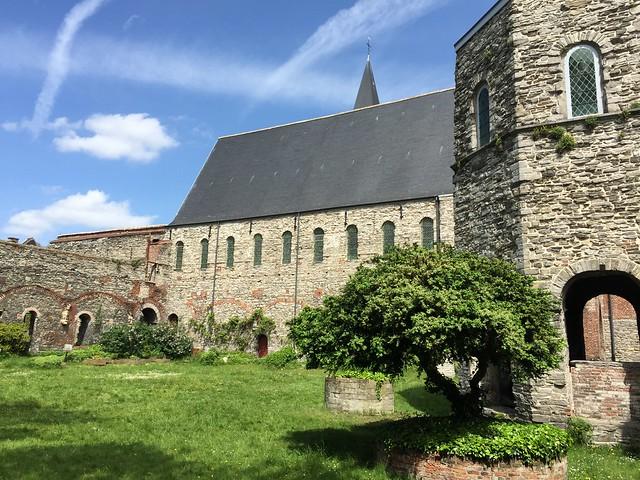 Claustro de la abadía de San Bavón (Gante, Bélgica)