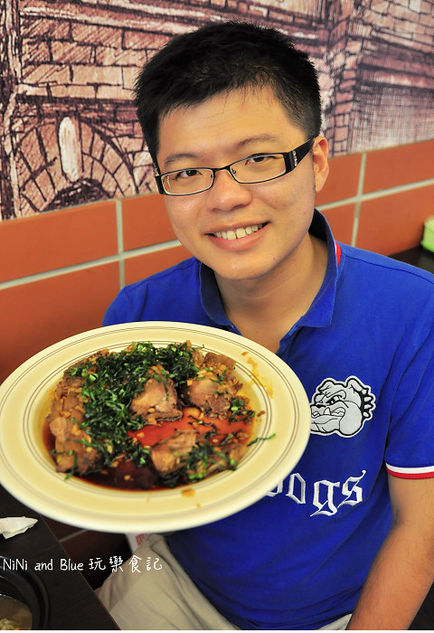 18116404791 9ffcbfa682 b - 李蕃薯担仔麵,一碗台南担仔麵,傳承一世人的回憶,桂蒜香酥鴨,美味萬壽公園對面