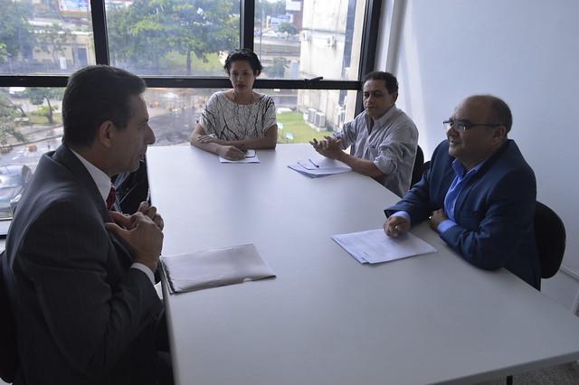 Presidente da AMMA reúne-se com secretário de Direitos Humanos