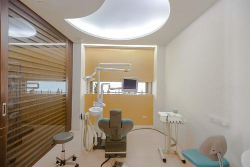 【台南東區牙醫推薦】我們全家人的御用牙醫-佳美牙醫診所_看診區 (4)