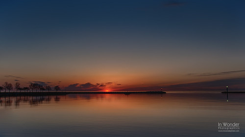 lake seascape wisconsin marina sunrise dawn lights harbor nikon michigan explore milwaukee mckinley markadsit