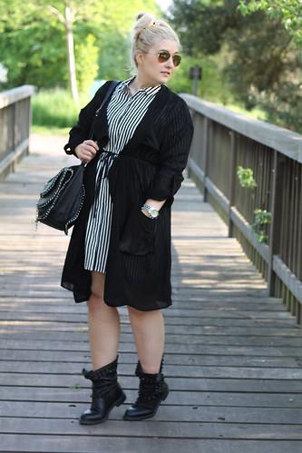 Gestreiftes kleid outfit