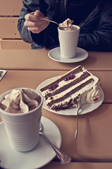 Hot choc and cake