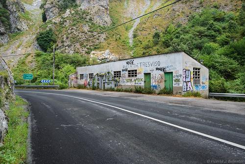 Ruta de Tresviso, desde la entrada.