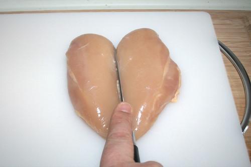 22 - Hähnchenbrust halbieren / Half chicken breast