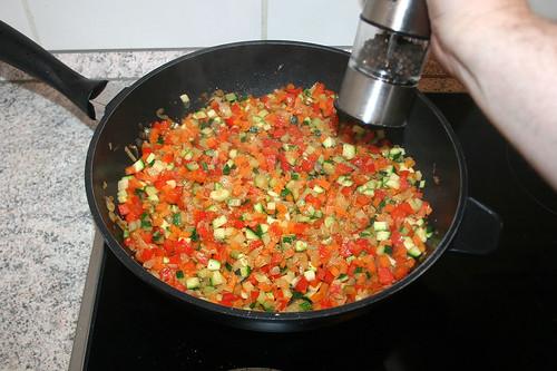 36 - Gemüse mit Pfeffer & Salz abschmecken / Taste vegetables with pepper & salt