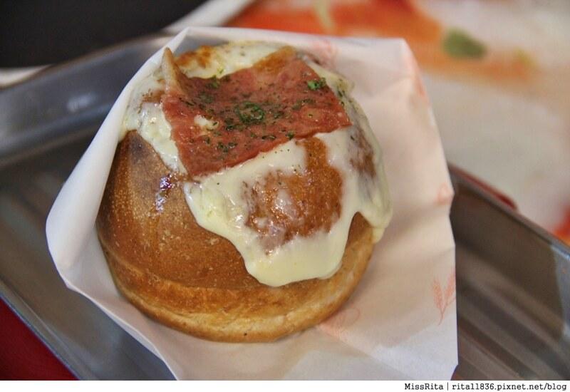 台中一中街好吃 一中麵包彈 義麵焗烤法國球 一中街美食22